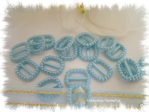 ribbon sliders vierkant baby blauw