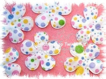 5 spring padded flower met stippen