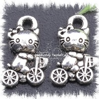 metalen hello kitty op fiets - M-1006